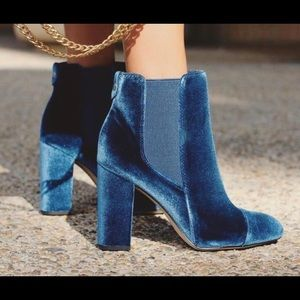 Sam Edelman Sapphire Velvet Boots